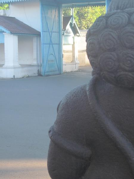 Warrior figure at the entrance of Baluwarti